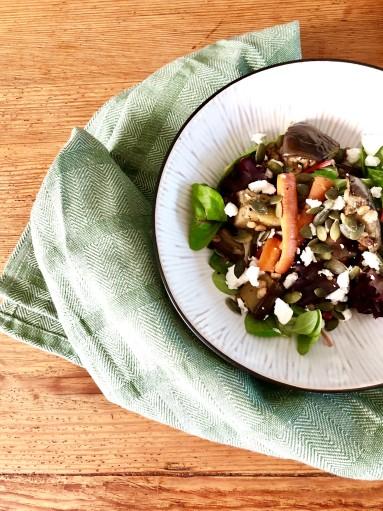 Matvetesallad med morot och aubergine
